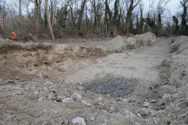 Excavation suite au démontage d'un épi